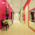 Как правильно оформить длинную и узкую комнату?